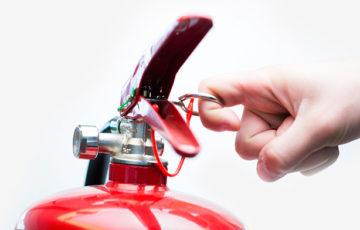 В ХМАО один рабочий сгорел и два получили тяжелые ожоги из-за начальника на участке не были соблюдены необходимые правила безопасности
