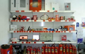 Критерии выбора средств пожаротушения для магазинов, офисов, складов, производственных цехов