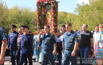 Курские спасатели приняли участие в крeстном ходе с иконой «Неопалимая купина»